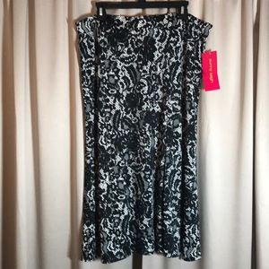 Sunny Leigh. Size XL Black & White skirt